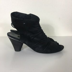 Paul Green Black Leather Ruched Open Toe Sandals